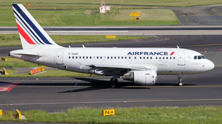 Air France expresses plans of cutting 6,500 workers by 2022 to combat COVID-19