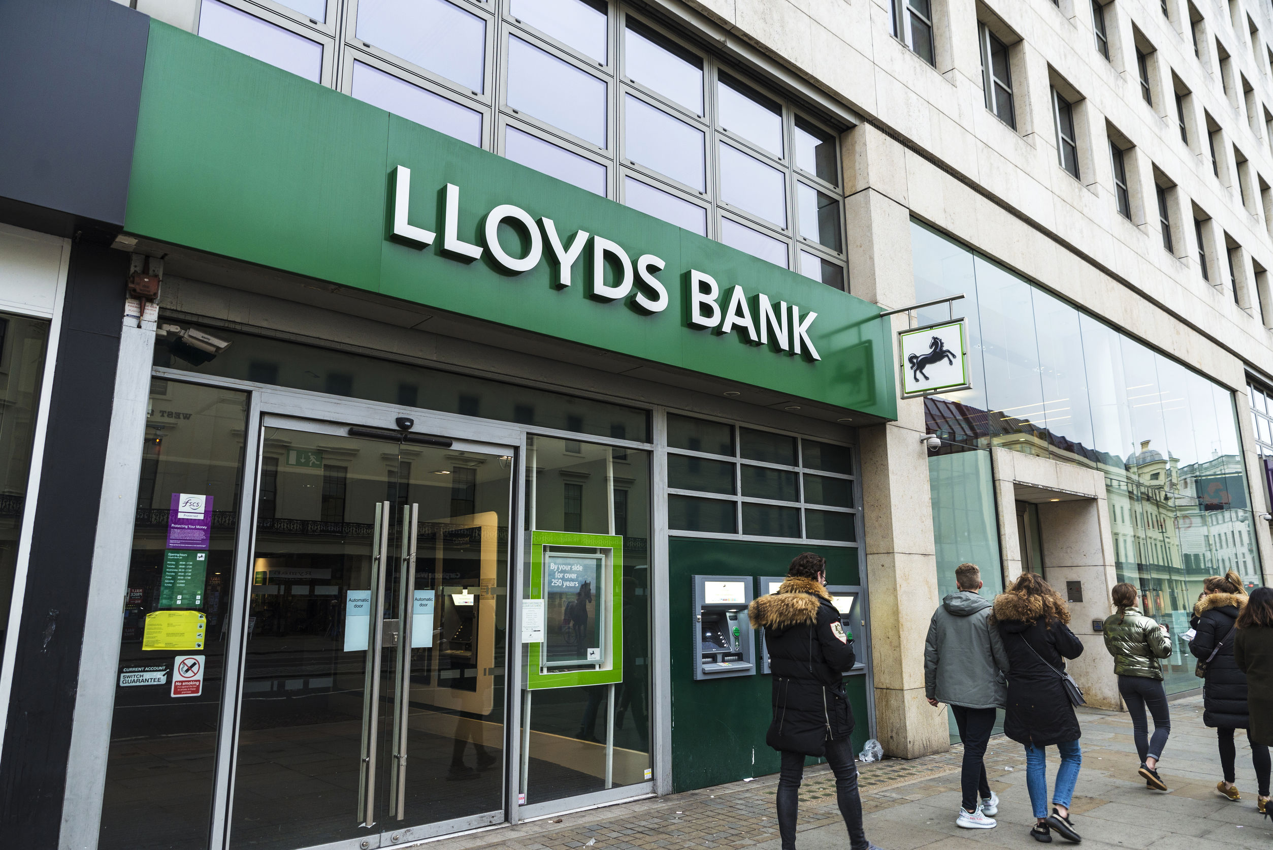 CEO Antonio Horta-Osorio of Lloyds Bank to exit the role next year