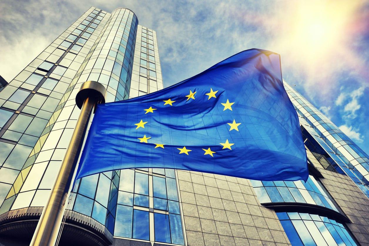 EUR/USD in enger Spanne nach schwachen EU-BIP-Daten für das 3. Quartal; US-PPI als nächstes